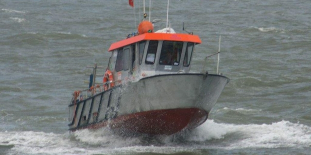 HBC Tender Sailing, shallow water dive support vessel